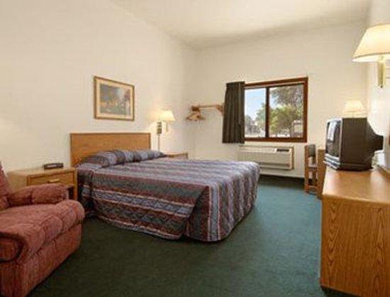Super 8 Lisbon : Standard Queen Bed Room