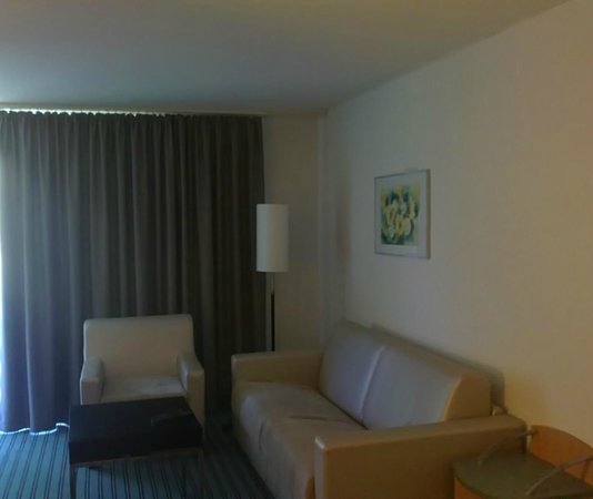 Apart-Hotel operated by Hilton: Room at second flr