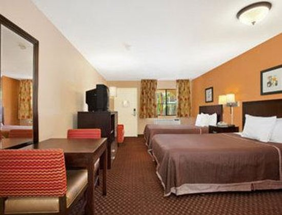 two queen bedroom picture of econo lodge inn suites el cajon san