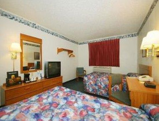 Super 8 Greensburg : 2 Double Bed Room