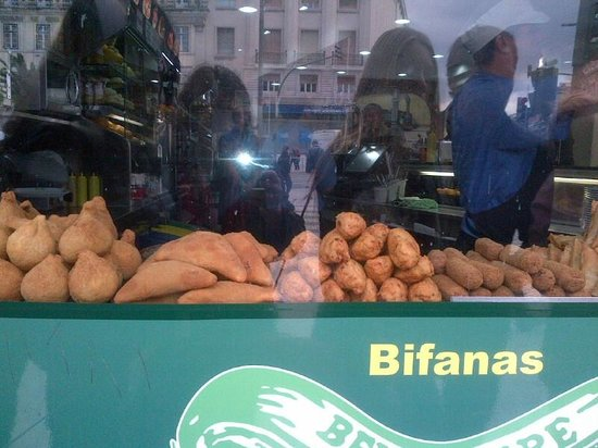 Inside Lisbon Tours: shop near CS where we had bacalao patties