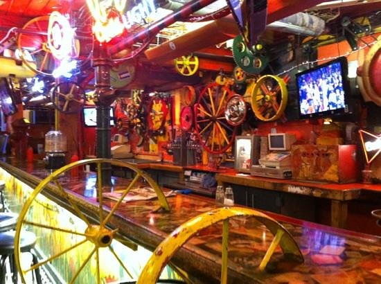 Dark Horse Bar: bar
