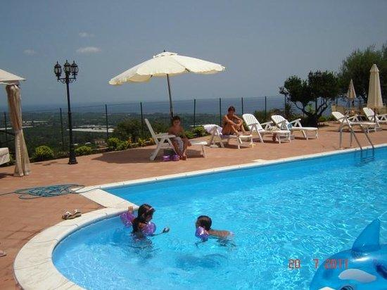 B&B Villatrinacria : piscina