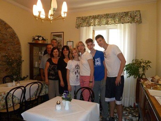 "B&B Angelini : ""Familienfoto - Gäste+Gastgeber"""