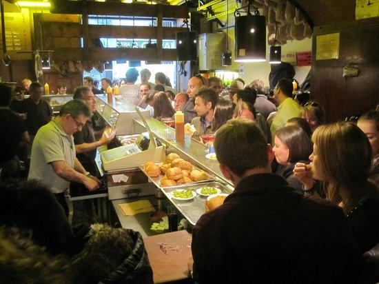 Tapas Tours Barcelona: Cava-baren som avslutning på turen