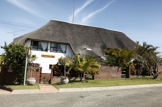 The Thatch Guest House: Front View