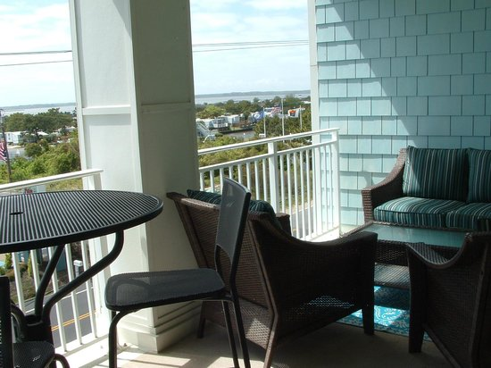 Sanctuary Realty at False Cape: Porch 2nd floor bay View Bldg. A