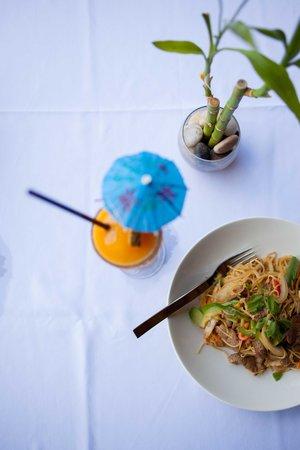 Little Hawaiian Seafood Grill & TIKI Lounge : Tropical Cocktails