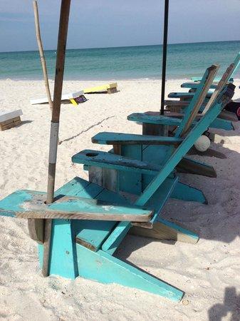 Coconut Inn: Beach across the street