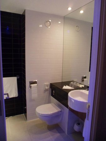 badkamer/lavabo  picture of holiday inn express manchester cc, Meubels Ideeën