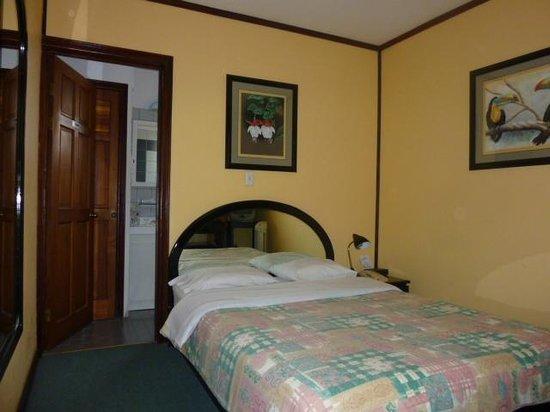 أوتل فلور دو ليز: Bedroom