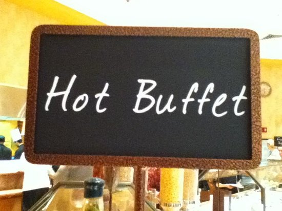 Embassy Suites by Hilton Northwest Arkansas: Large Hot Buffet