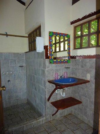 Hotel Luz de Mono: Bathroom