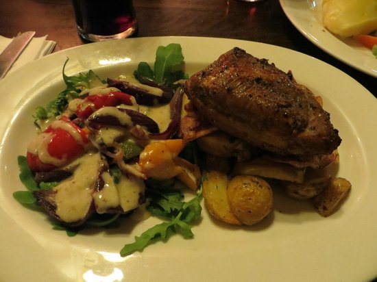 Two Brewers Hotel: Honey-Glazed Roasted Pork Belly