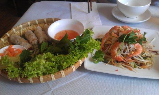 Mien Tay: spring rolls and papaya salad