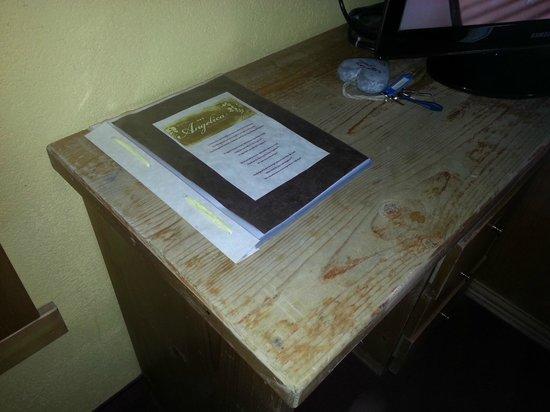 Hotel Angelica: scrivania