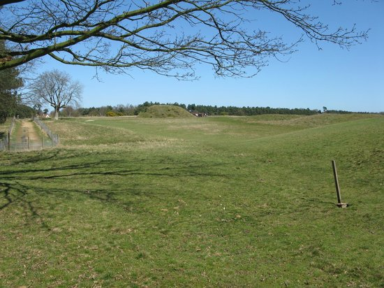 Sutton Hoo: Burial mound