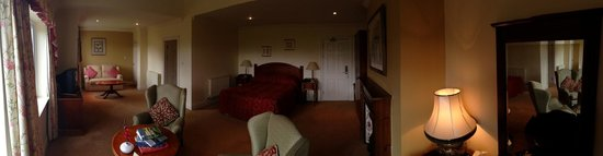 Loch Lein Country House: Very comfortable suit