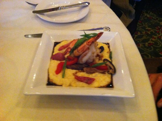 Webster House: Shrimp & Grits appetizer