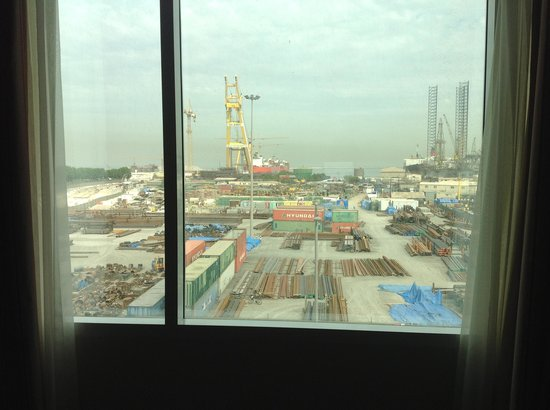 Holiday Inn Express Dubai Jumeirah: The downside was the industrial crane views of the dry docks