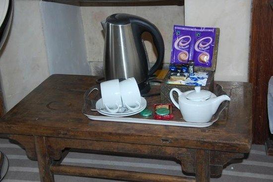 Dorian House: Tea/Coffee services