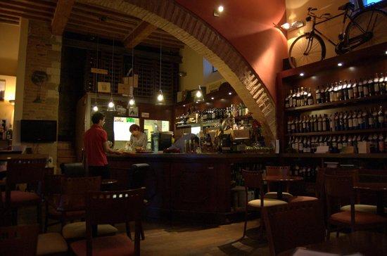La Locanda di San Francesco: Wine bar