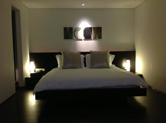 COMO Metropolitan Bangkok: a very comforable bed, pillows and duvet
