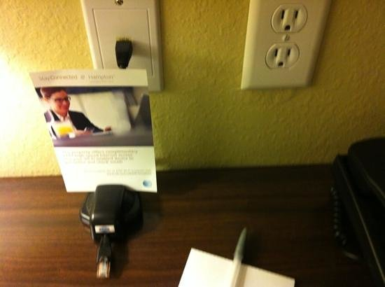 Hampton Inn Sulphur Springs : desk included cord for internet (room also had wifi) and easy access electrical plug