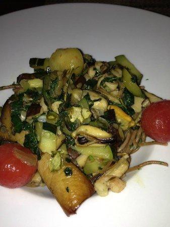 Kaizen Sushi Bar and Restaurant : their organic spagetti :(((((