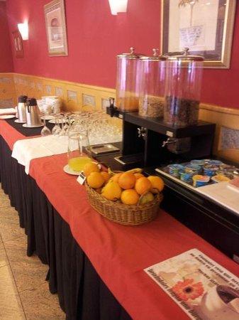 Hotel Alfonso I: Desayuno