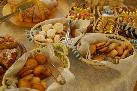 Borgo Piaggiarella: i biscotti di Daniela