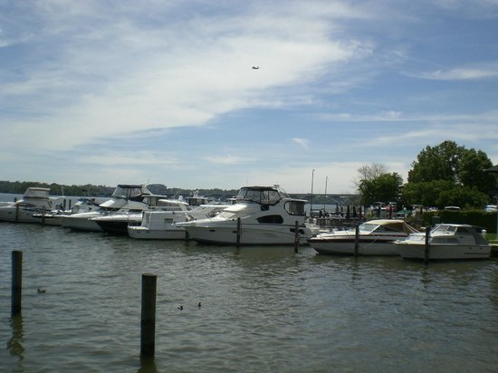 Old Town Waterfront: Boats at the River Front Dock - Alexandria