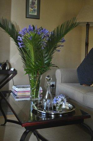 Plumbago Guest House: ...und drinnen