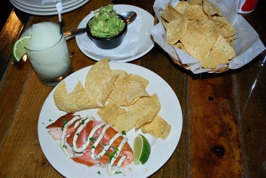 Taqueria del Mar: Scottish smoked salmon appetizer, guacamole and a margarita at Tqueria del Mar