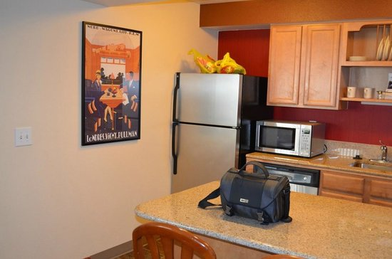 Residence Inn Seattle South/Tukwila : Studio Queen room - Kitchen view1