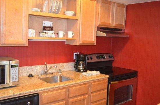 Residence Inn Seattle South/Tukwila : Studio Queen room - Kitchen view2