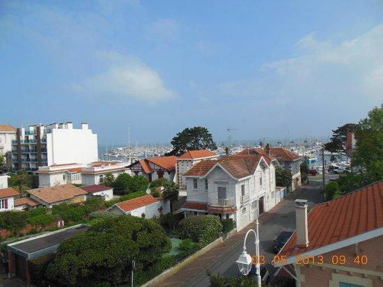 HOTEL LE NAUTIC : vue sur la mer depuis notre chambre!!