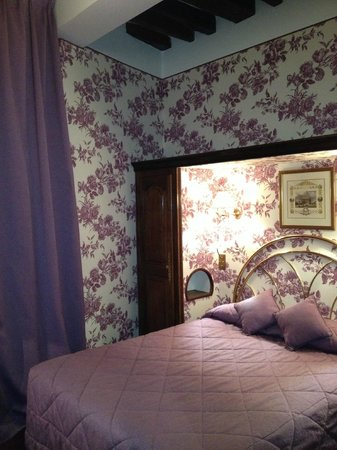 Hotel Saint Germain des Pres: Chambre