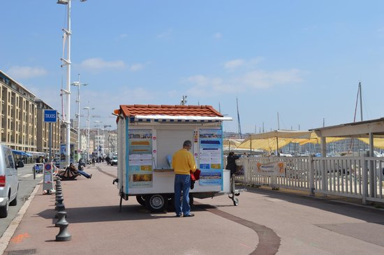 Petit Train Marseille : Ticket booth, south side of Vieux Port