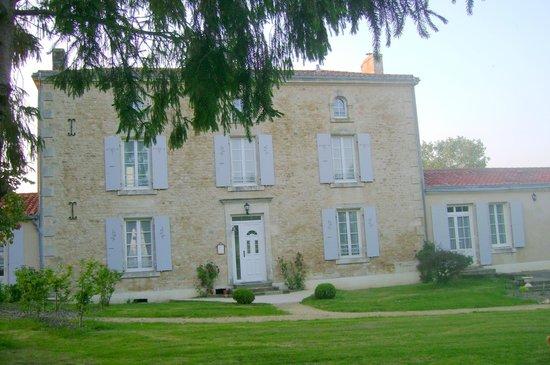 Chambres d'Hotes Le Tilleul : maison