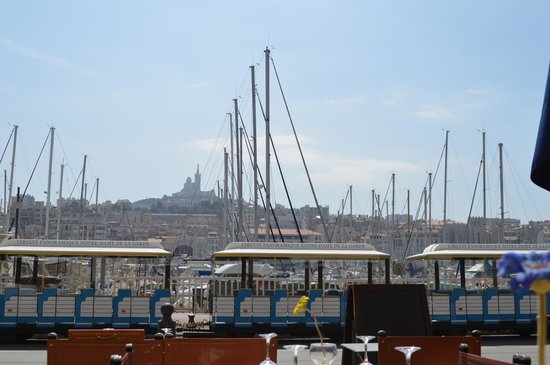 Petit Train Marseille : Train with Notre Dame in the background