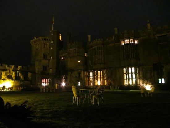 Thornbury Castle and Tudor Gardens: Exploring after dinner