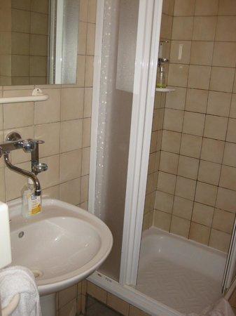 Hotel Esprit Prague: bathroom