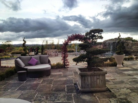 Grosvenor Pulford Hotel & Spa: The Japanese Relaxation Garden