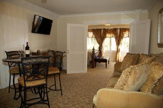 Monarch Cove Inn: Ocean Mist Suite