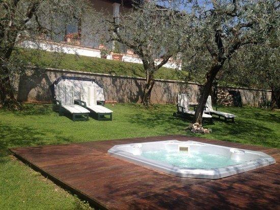Hotel Degli Olivi: Iacuzzi
