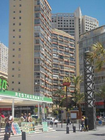 Carabelas Apartamentos: apts - just above MacDonalds