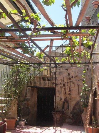 Urgup Inn Cave Hotel: il patio della colazione
