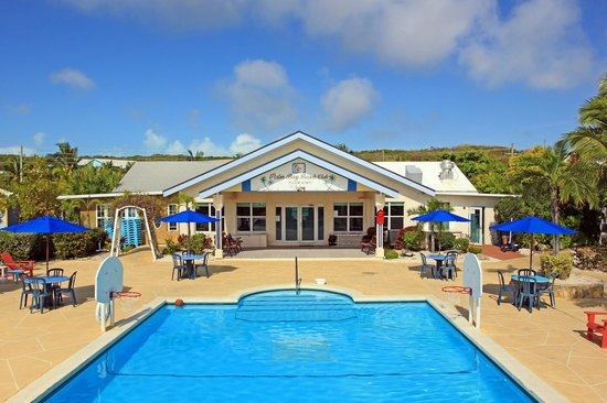 Hideaways at Palm Bay: Main Swimming Pool & Hospitality Centre