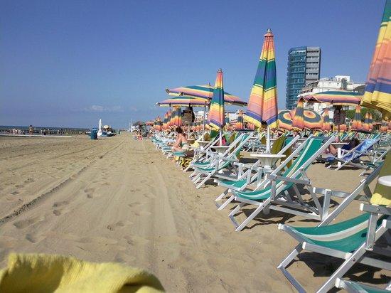 Hotel Rosmary : sabbia e mare